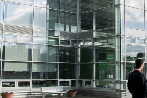 Exterior shot of Heart of Worcestershire College Redditch Campus